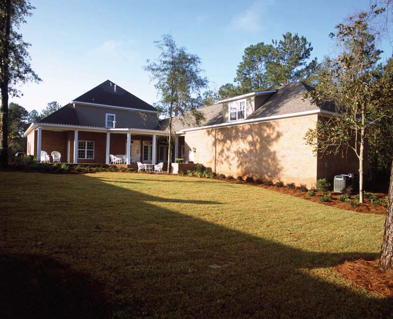 Traditional House Plan Rear Photo 01 024S-0023