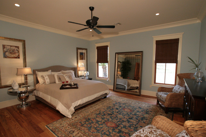 Traditional House Plan Master Bedroom Photo 01 024S-0024