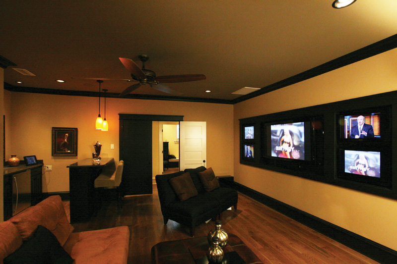 Traditional House Plan Media Room Photo 01 024S-0024