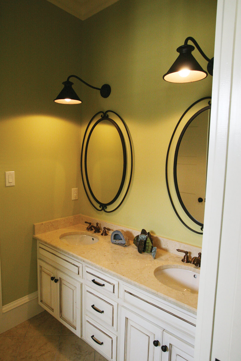 Traditional House Plan Bathroom Photo 03 024S-0025