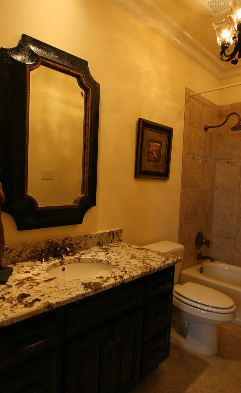 Traditional House Plan Bathroom Photo 05 024S-0025