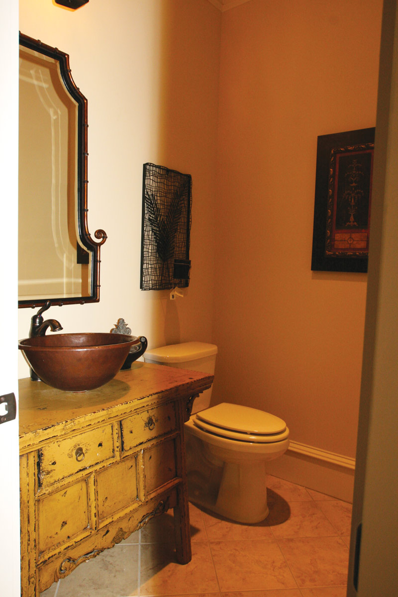 Country French Home Plan Bathroom Photo 06 024S-0025