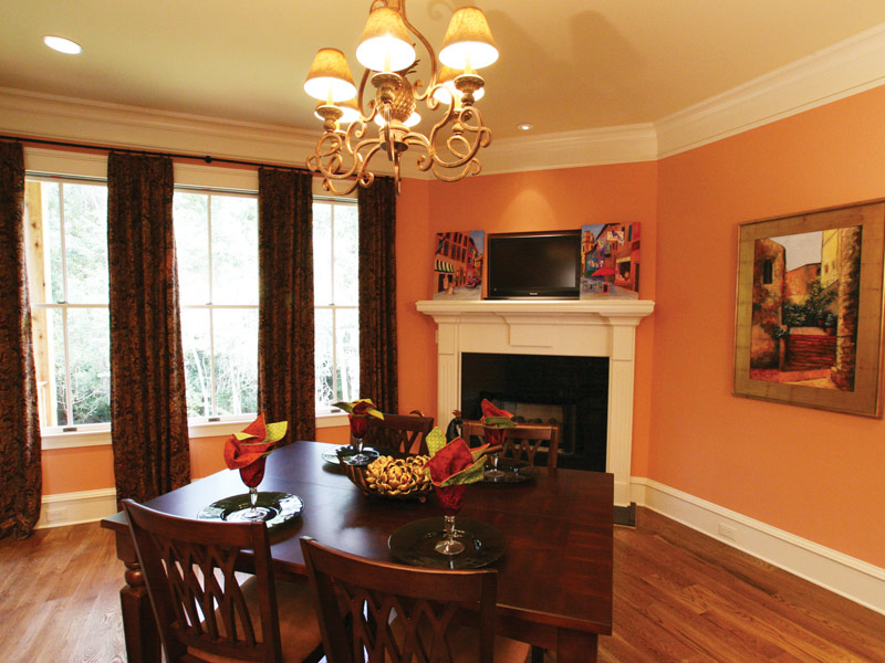 Waterfront Home Plan Breakfast Room Photo 02 024S-0025