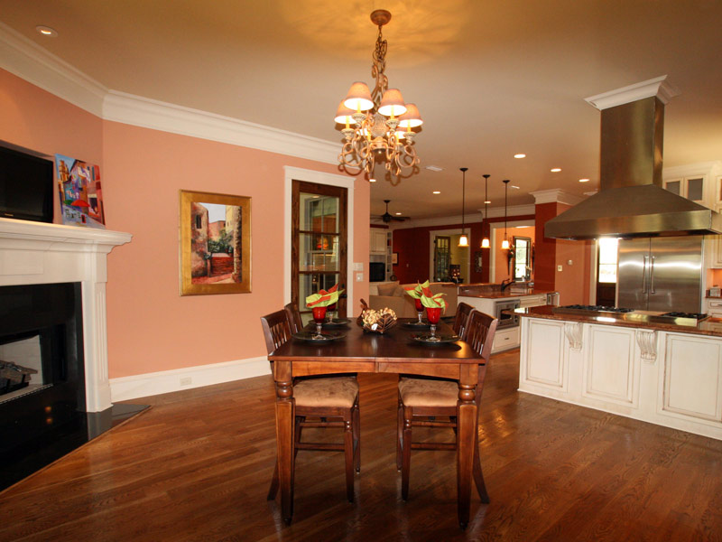 Traditional House Plan Breakfast Room Photo 03 024S-0025