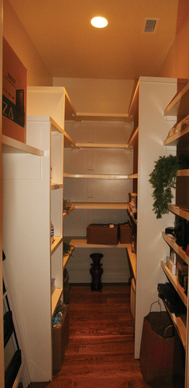 Country French Home Plan Closet Photo 01 024S-0025