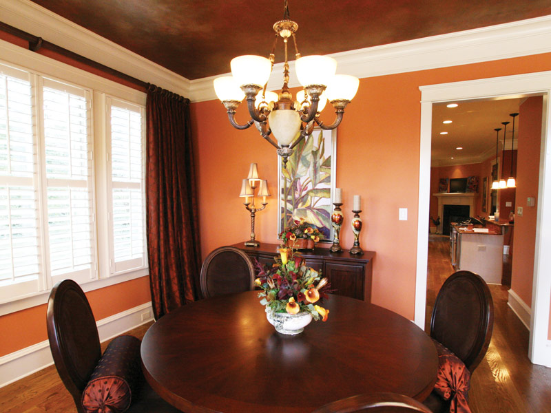 Traditional House Plan Dining Room Photo 01 024S-0025