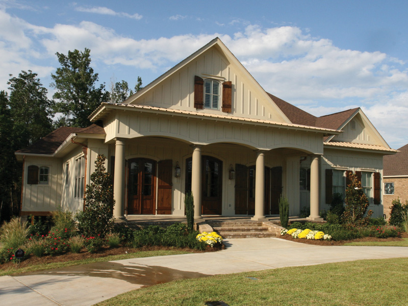 Traditional House Plan Front of Home 024S-0025