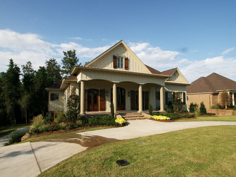 Traditional House Plan Front Photo 11 024S-0025