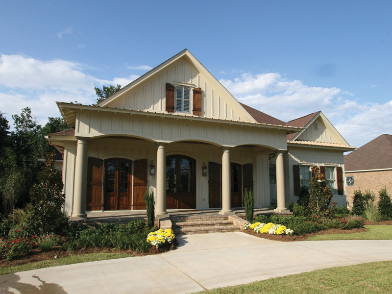 Craftsman House Plan Front Photo 04 024S-0025