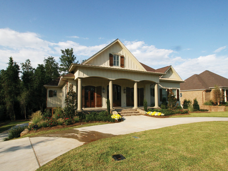 Traditional House Plan Front Photo 07 024S-0025