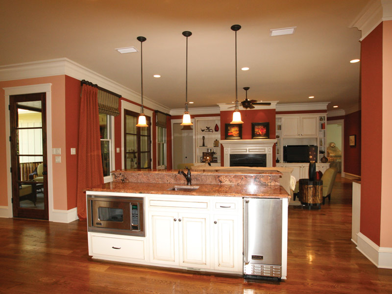 Waterfront Home Plan Kitchen Photo 07 024S-0025