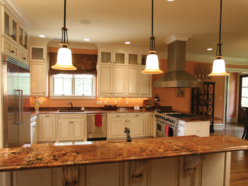 Traditional House Plan Kitchen Photo 09 024S-0025