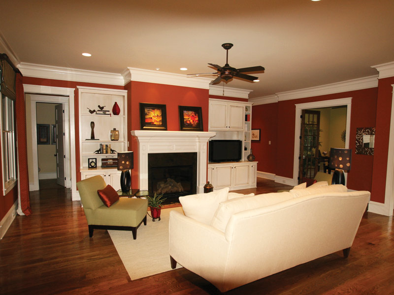 English Cottage Plan Living Room Photo 13 024S-0025