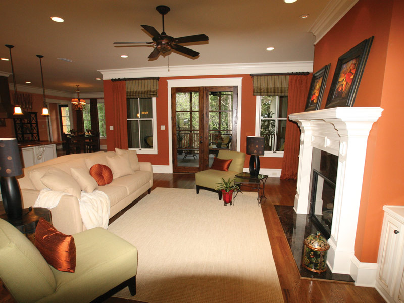 Traditional House Plan Living Room Photo 04 024S-0025