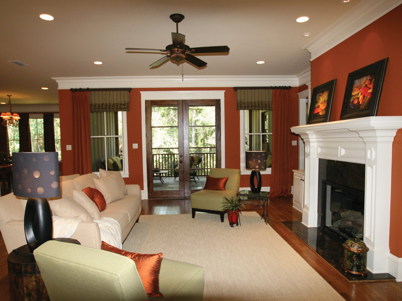 Traditional House Plan Living Room Photo 05 024S-0025