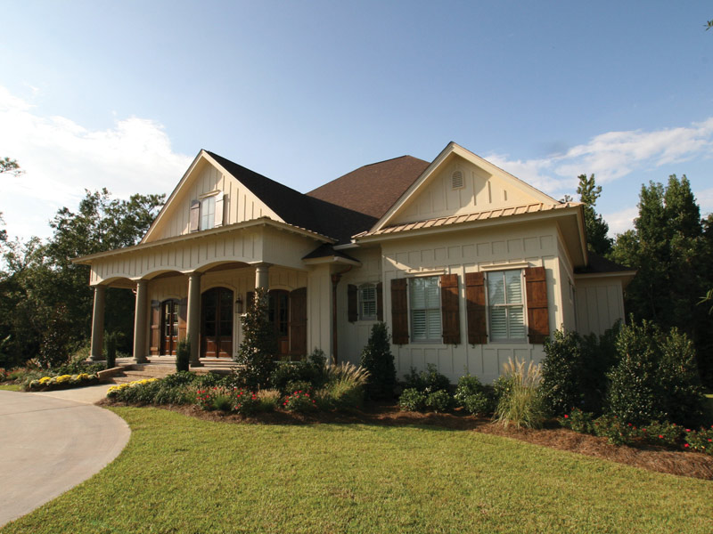 Traditional House Plan Side View Photo 01 024S-0025