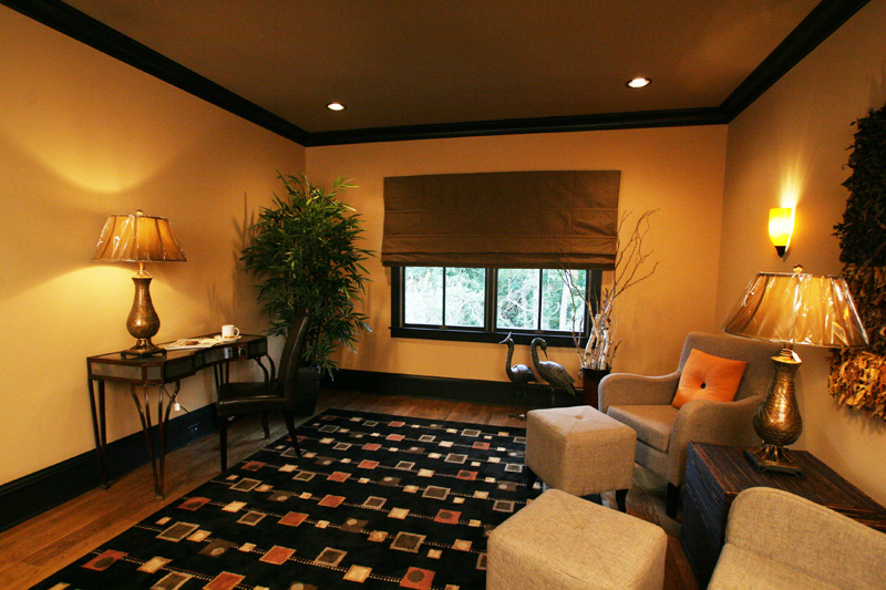 Traditional House Plan Sitting Area Photo 024S-0025