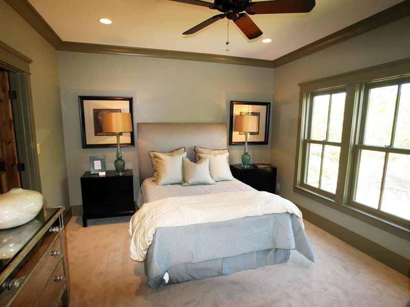 Waterfront Home Plan Bedroom Photo 06 024S-0026