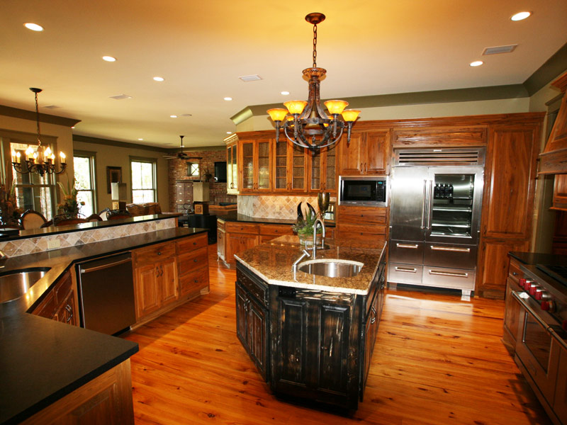 Waterfront Home Plan Kitchen Photo 02 024S-0026