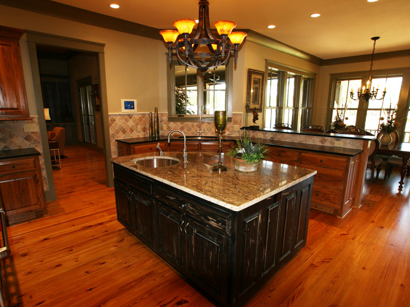Vacation Home Plan Kitchen Photo 04 024S-0026