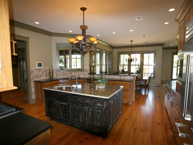 Vacation House Plan Kitchen Photo 05 024S-0026