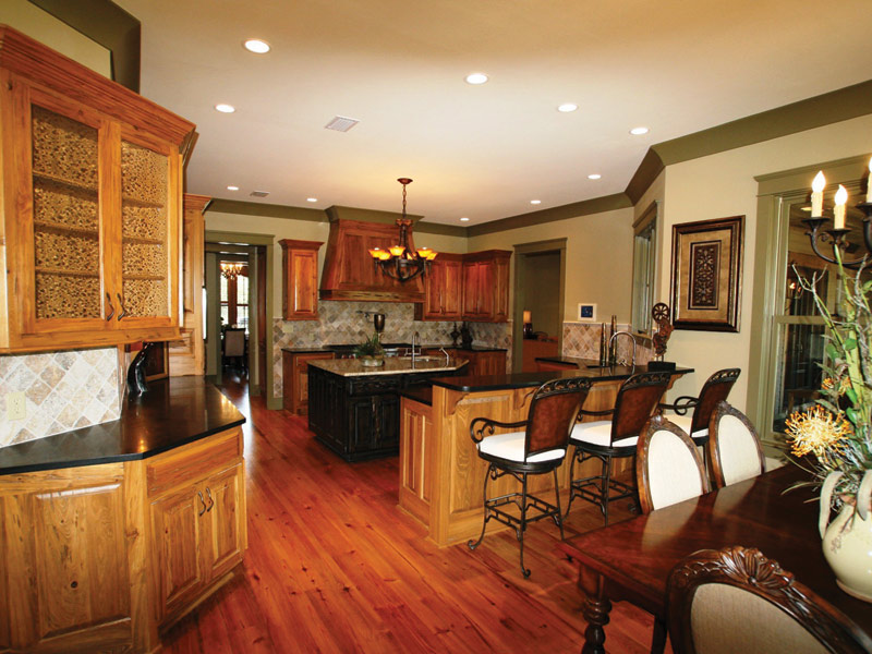 Vacation Home Plan Kitchen Photo 06 024S-0026