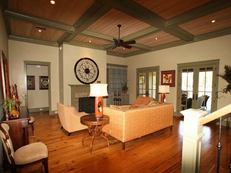 Waterfront Home Plan Living Room Photo 03 024S-0026