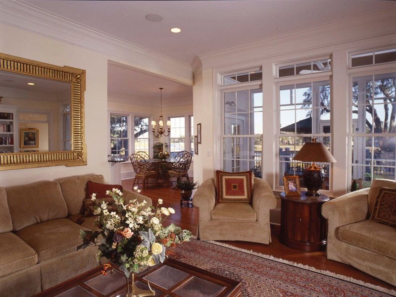Colonial Floor Plan Family Room Photo 01 024S-0037