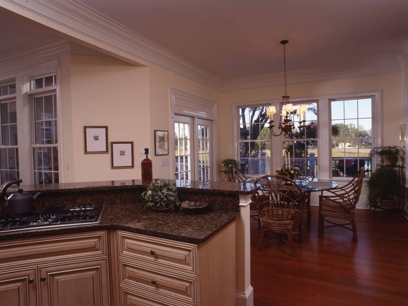 Colonial House Plan Kitchen Photo 02 024S-0037