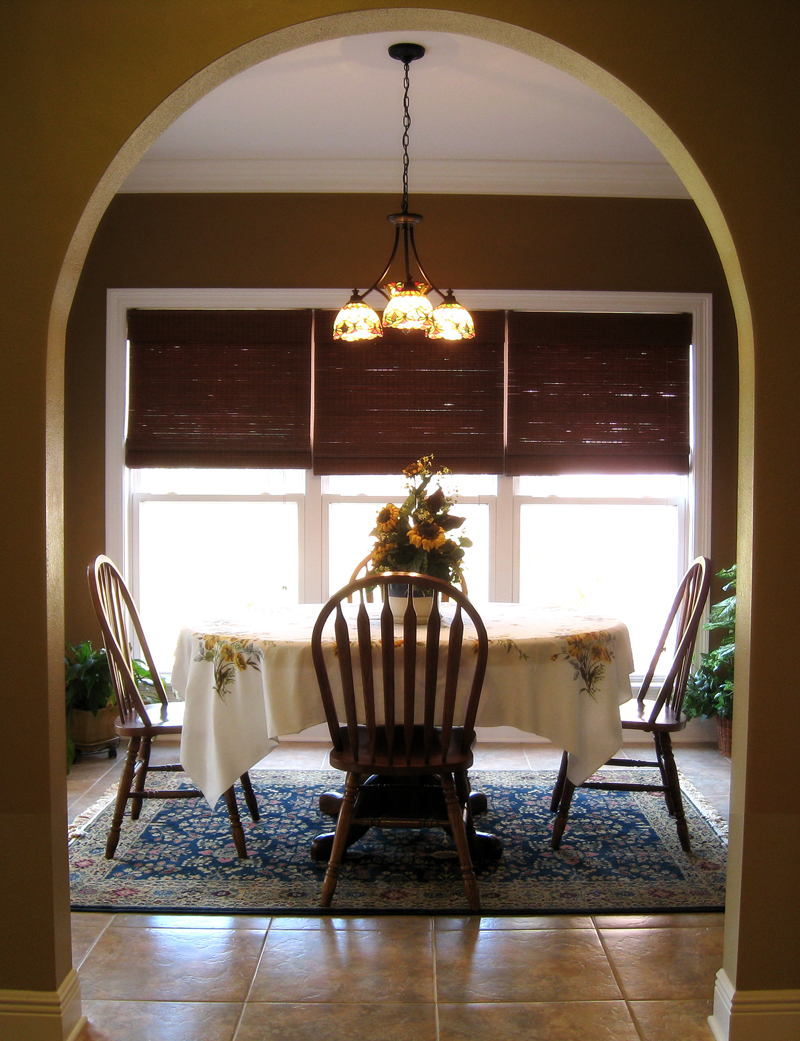 Colonial House Plan Dining Room Photo 02 028D-0018