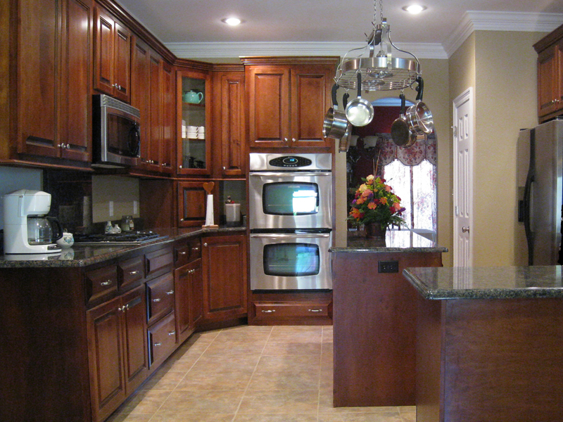 Traditional House Plan Kitchen Photo 04 - 028D-0018 | House Plans and More