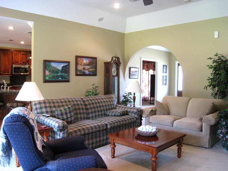 Southern House Plan Living Room Photo 01 028D-0018