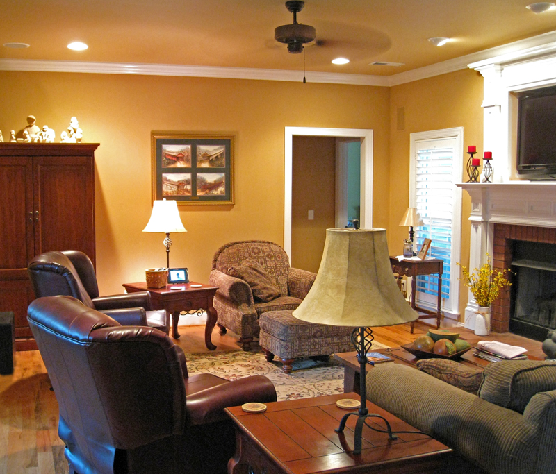 Southern House Plan Great Room Photo 01 028D-0054