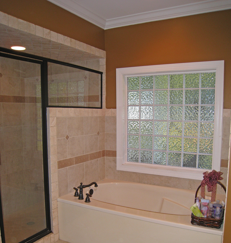 Ranch House Plan Master Bathroom Photo 01 028D-0054