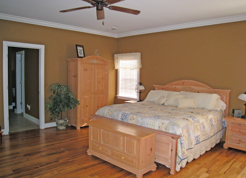 Colonial Floor Plan Master Bedroom Photo 01 028D-0054