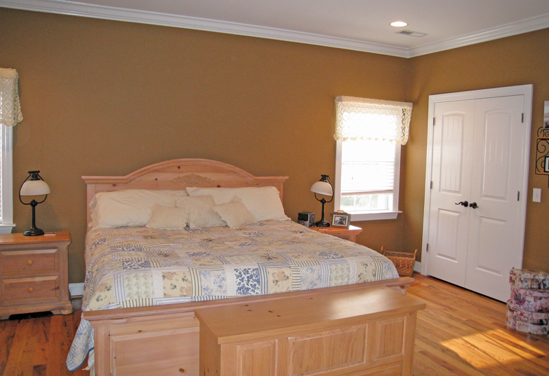 Country House Plan Master Bedroom Photo 02 028D-0054