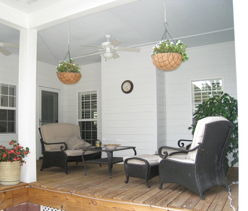 Colonial Floor Plan Outdoor Living Photo 01 028D-0054