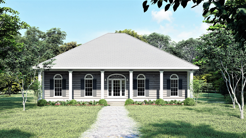 Traditional Ranch With Elegant Columns