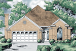 Casual Ranch Design Has Stunning Arched Window