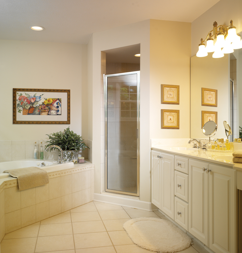 Traditional House Plan Bathroom Photo 01 032D-0025