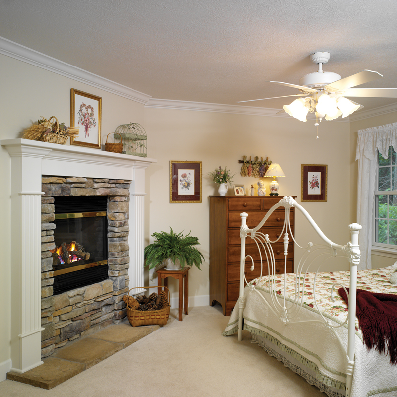 Traditional House Plan Master Bedroom Photo 01 032D-0025
