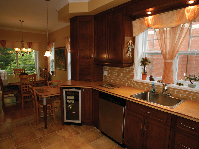 Southern House Plan Kitchen Photo 02 032D-0235