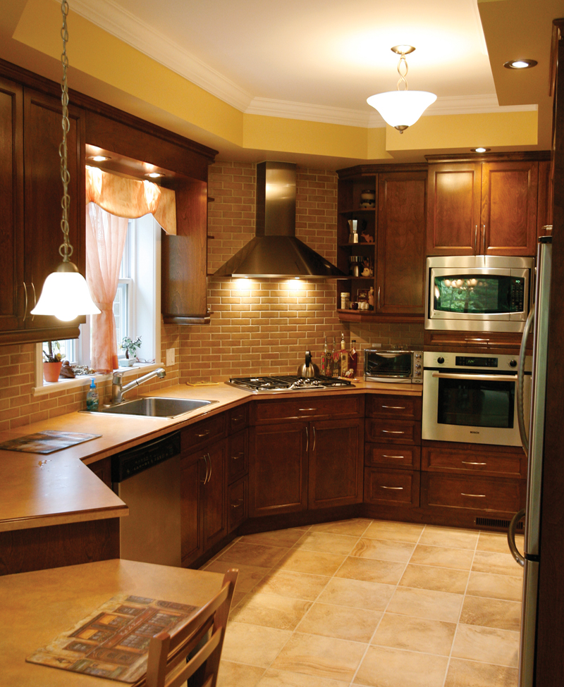 Traditional House Plan Kitchen Photo 04 032D-0235