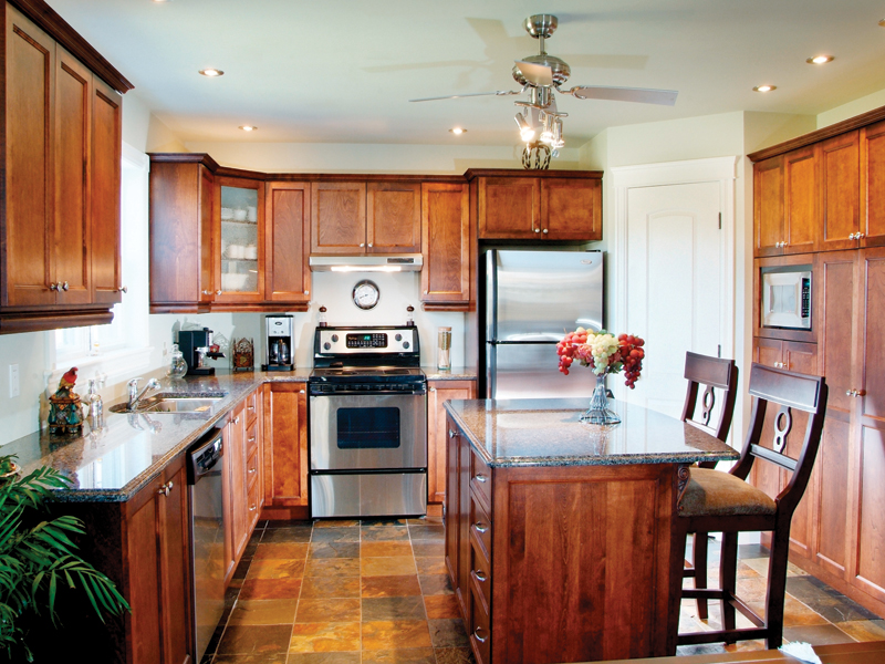 Traditional House Plan Kitchen Photo 01 032D-0239