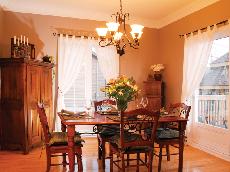 Traditional House Plan Dining Room Photo 01 032D-0474