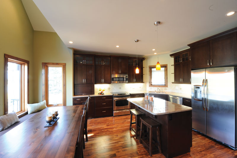 Mountain Home Plan Kitchen Photo 01 032D-0520