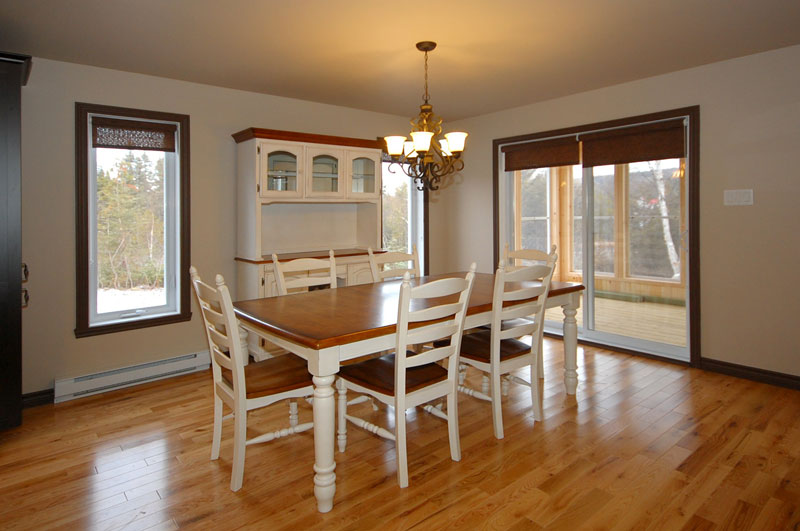 Waterfront Home Plan Dining Room Photo 01 032D-0525