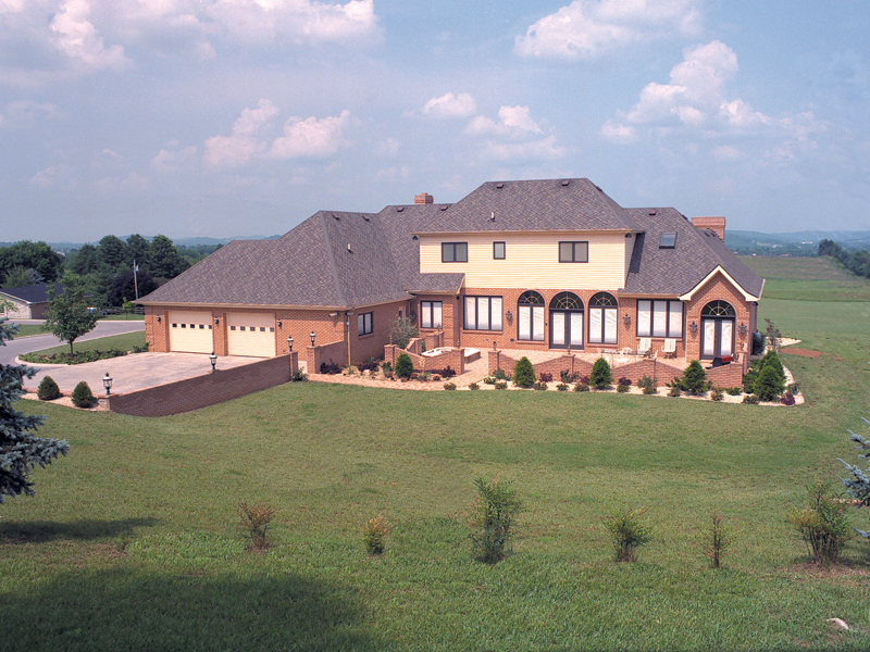 Traditional House Plan Rear Photo 01 038D-0001