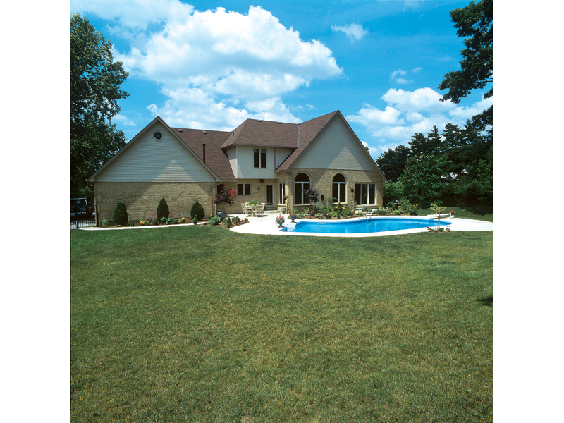 Traditional House Plan Rear Photo 01 038D-0004