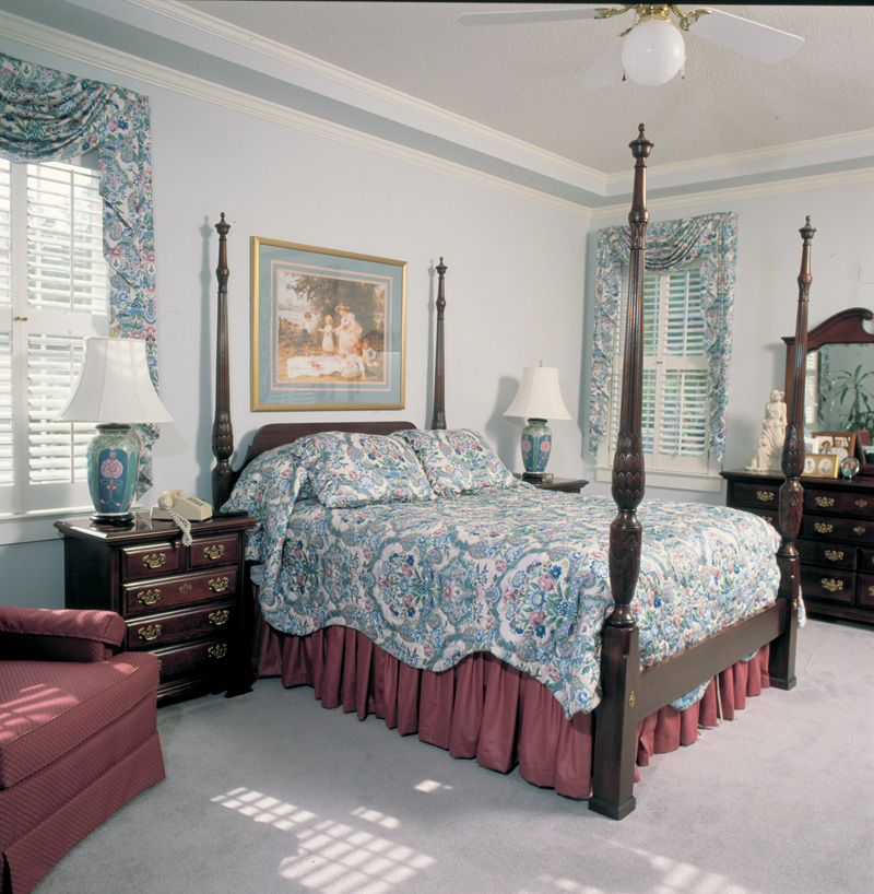 Country House Plan Master Bedroom Photo 01 038D-0005